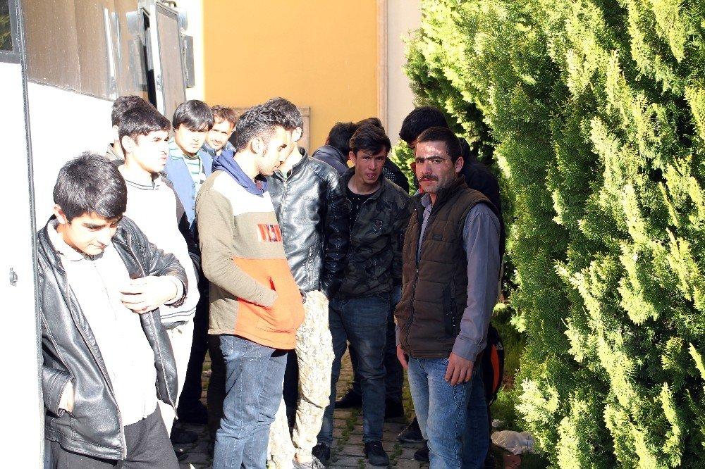 Midyat'ta 35 Kaçak Göçmen Yakalandı