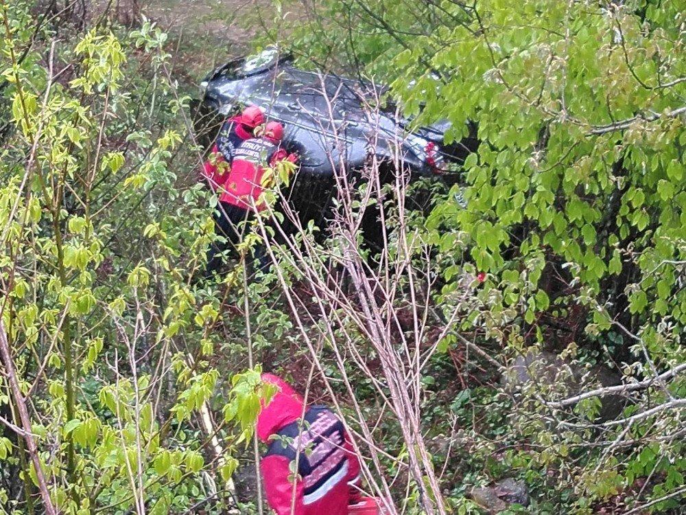 Kontrolden Çıkan Otomobil Şarampole Yuvarlandı:1 Yaralı