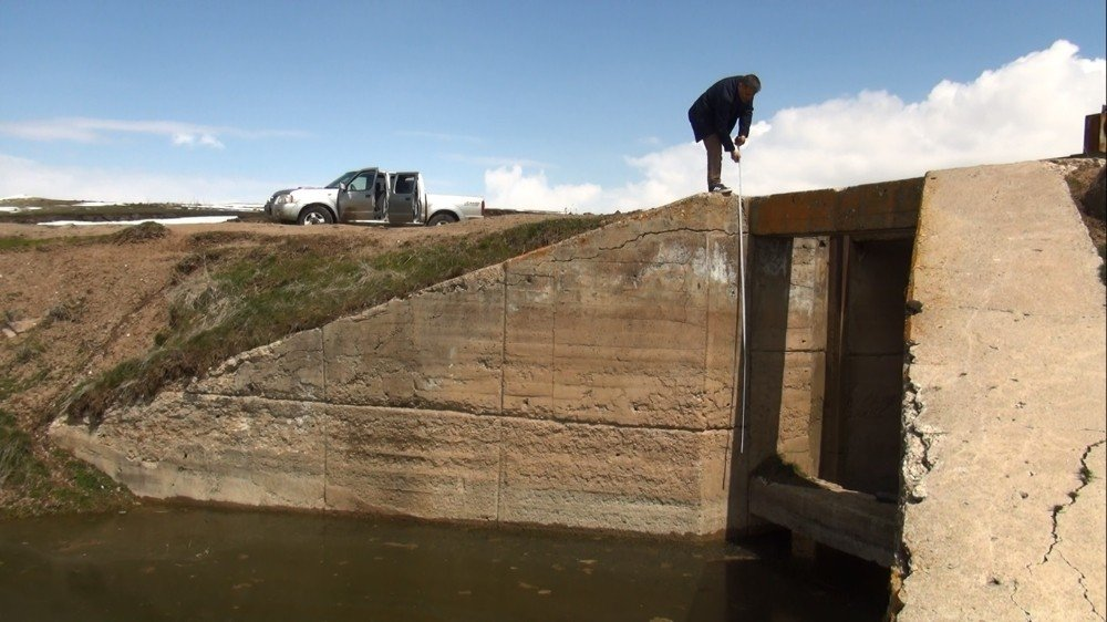 Nazik Gölü Yağmur Ve Kar Sularıyla Besleniyor