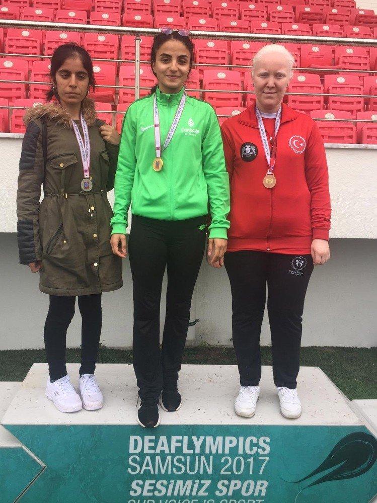 Çankaya'nın Altın Çocukları 17 Madalyayla Başkente Döndü