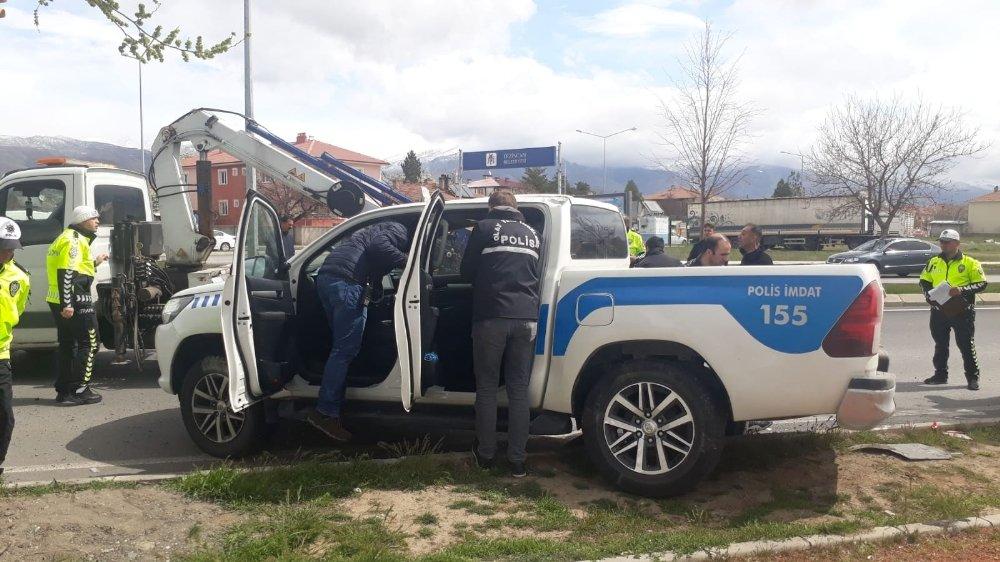 Polis Aracı Kaza Yaptı: 2'si Polis 3 Yaralı