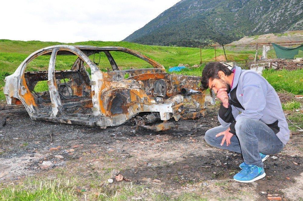 Suriyeli Gencin Otomobiliyle Birlikte Tüm Birikimi De Kül Oldu