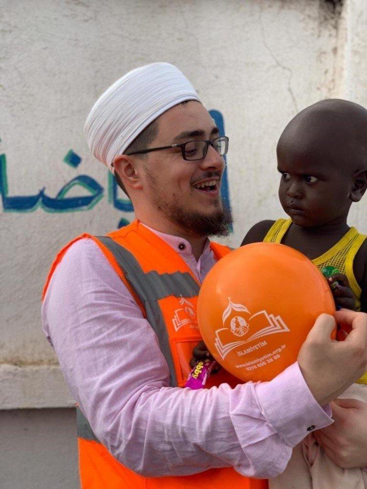 Türkiye'den Yemenli Çocuklara Yardım