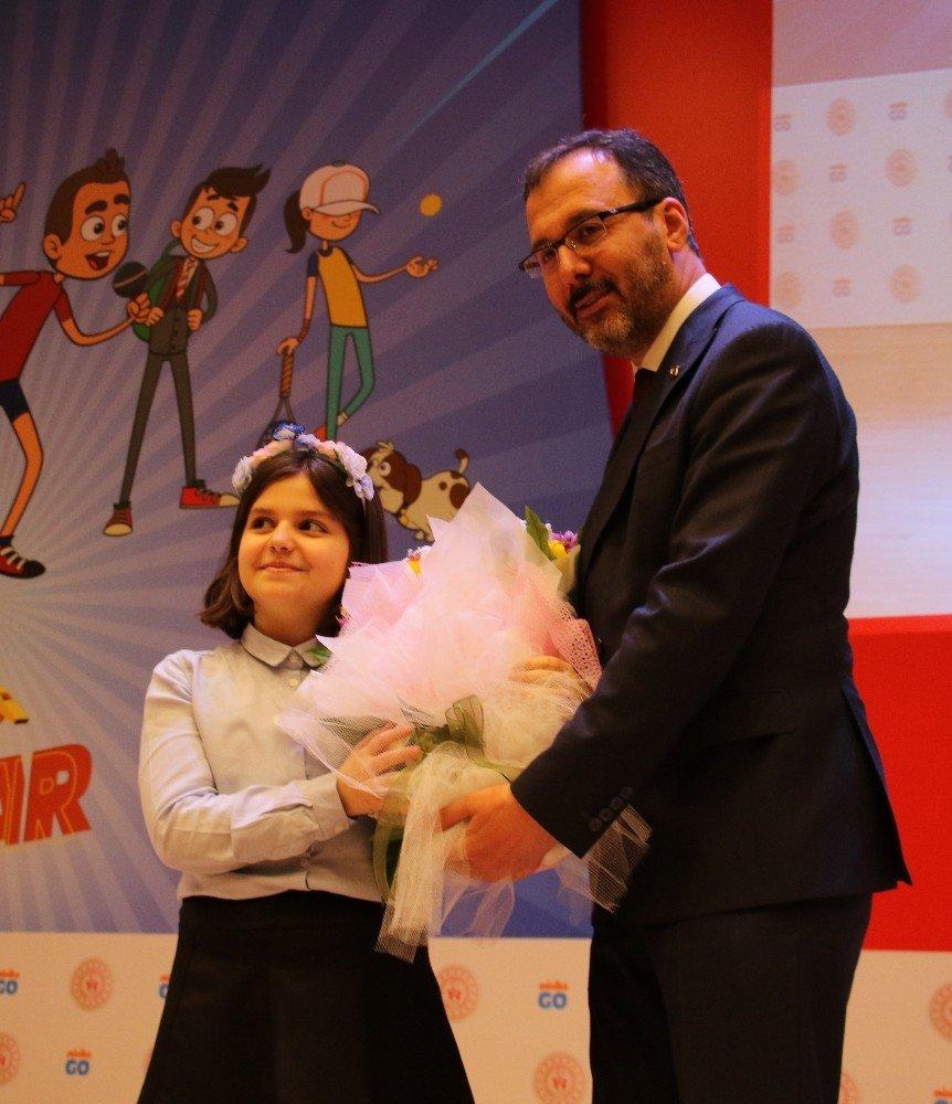 Türkiye'nin İlk Spor Temalı Çizgi Filmi 'Hızlı Ayaklar' Tanıtıldı