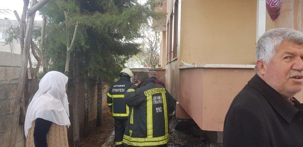 Yangın Binaya Sıçramadan Söndürüldü