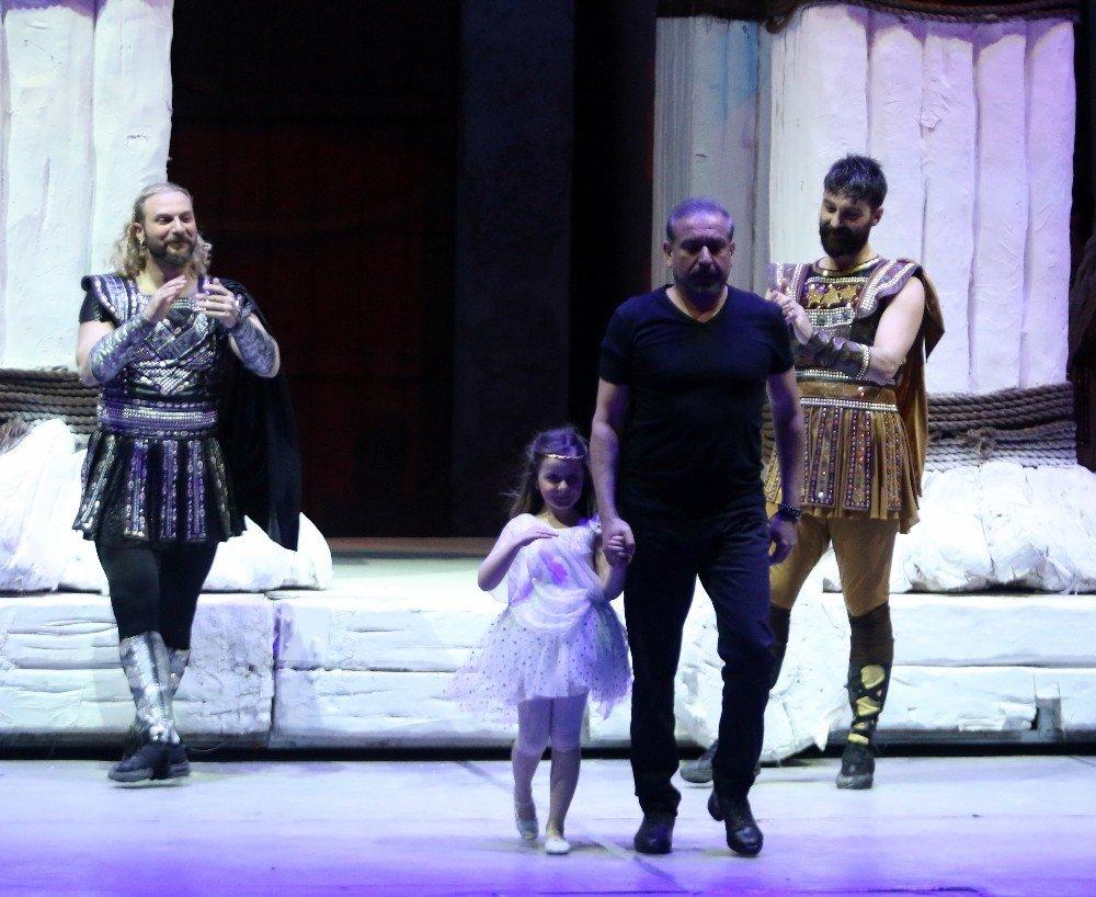 Anadolu Ateşi Antalya'da Troya İle Sezonu Açtı