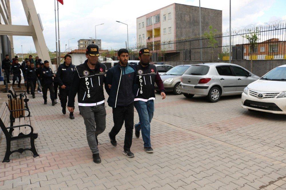 Diyarbakır'da Uyuşturucu Satıcılarına Eş Zamanlı Operasyon