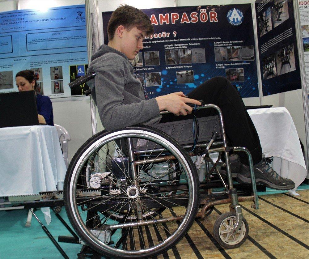 Öğrencilerden Engelliler İçin Pratik Çözüm
