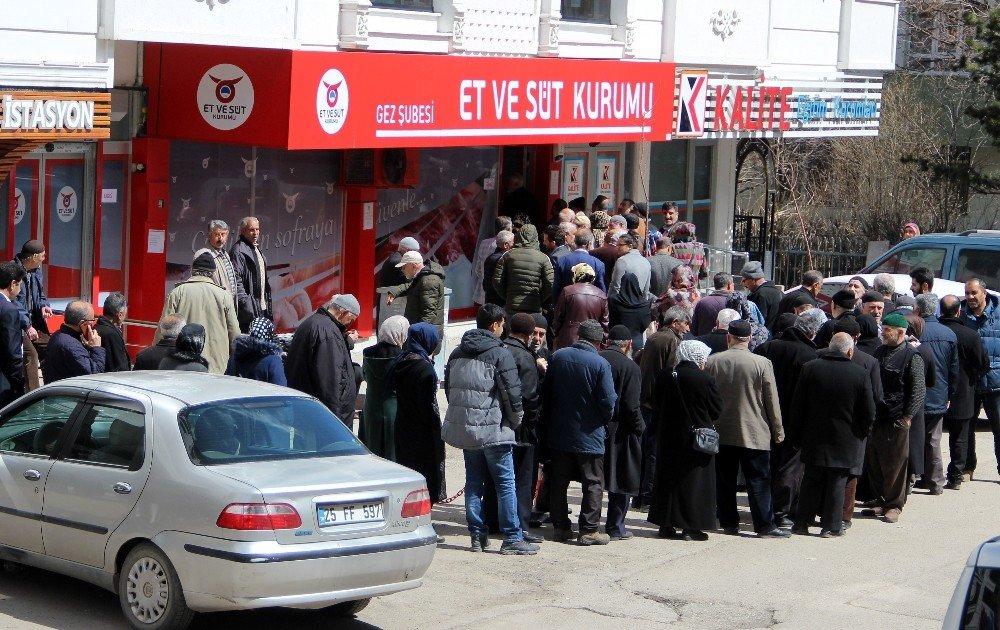 Erzurum'da Ramazan Öncesi Ucuz Et Kuyruğu
