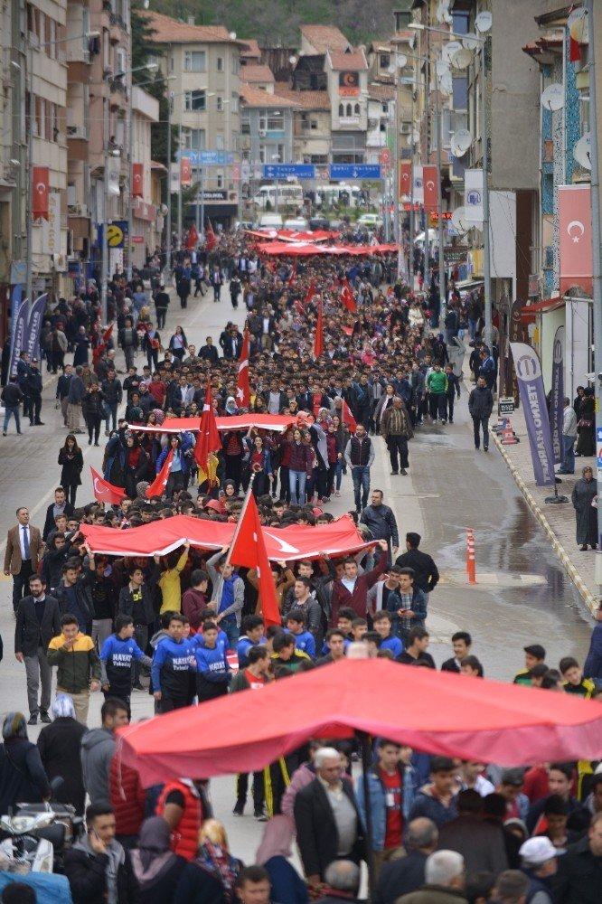 """Fransa'daki Sözde """"Ermeni Soykırımı Anma Günü"""" Protesto Edildi"""