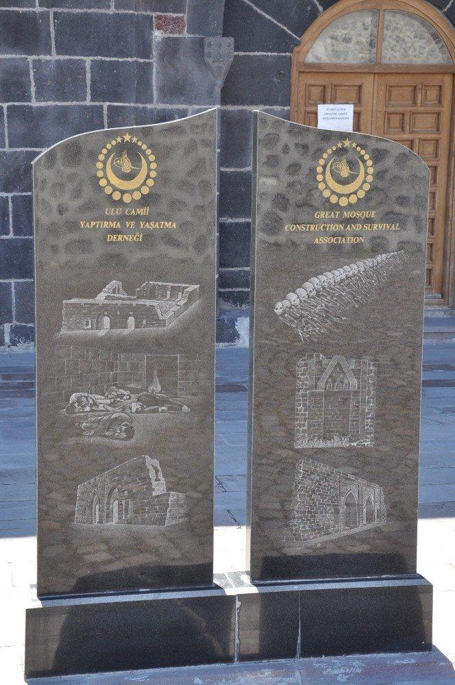 Fransa Ve İtalya Büyükelçilerini Ermeni Katliamlarının Belgelerini Göstermek İçin Kars'a Davet Ettiler