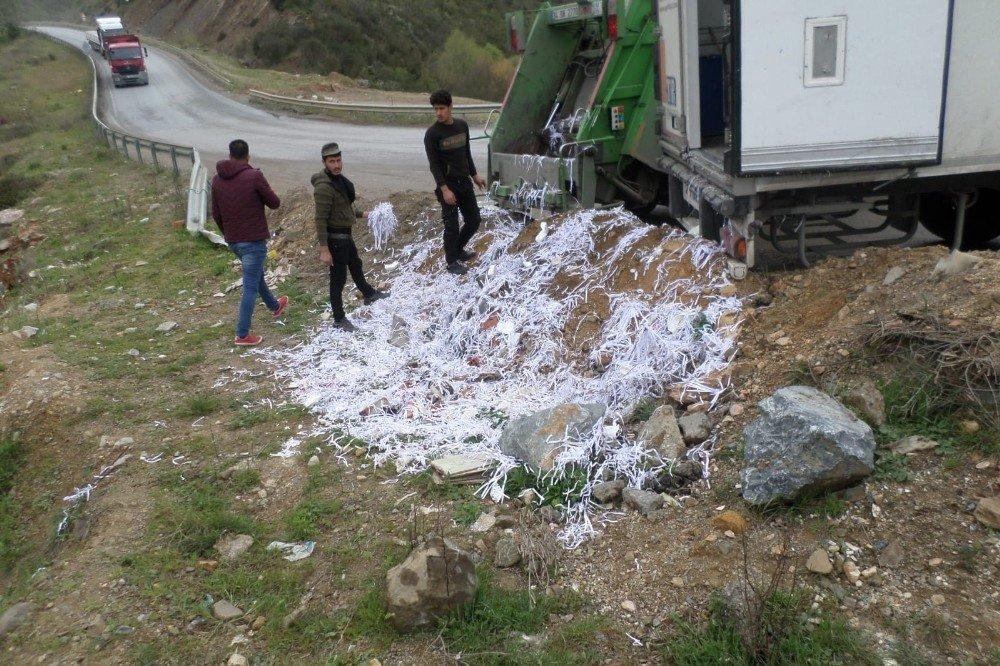 Gebze'de Boş Araziye Kaçak Atık Döken Firmaya Ceza