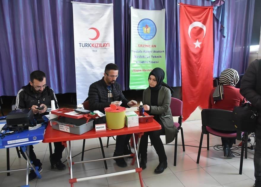 Liseli Gençler Kan Bağışında Bulundu