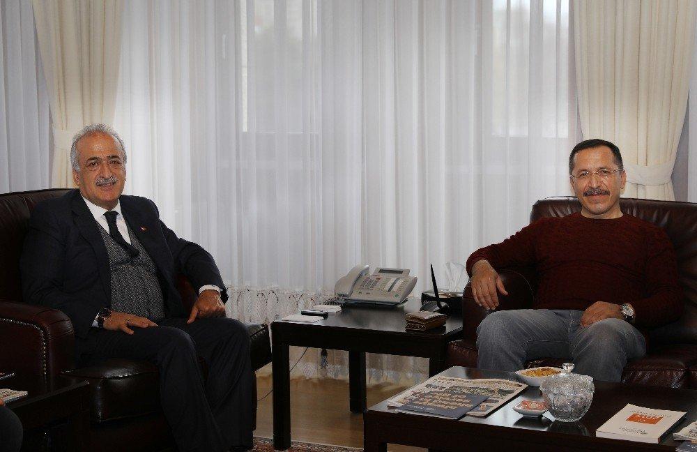 Pamukkale Üniversitesi Rektörü Bağ'dan, Rektör Çomaklı'ya Ziyaret