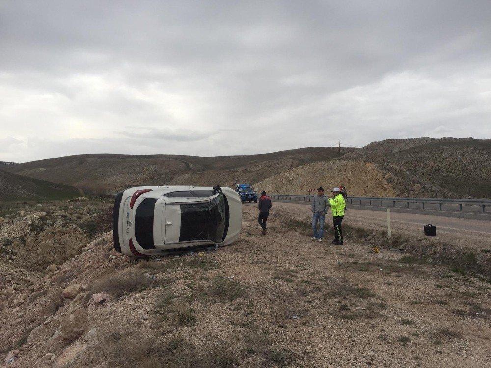 Tekeri Patlayan Araç Takla Attı: 2'si Ağır 5 Yaralı