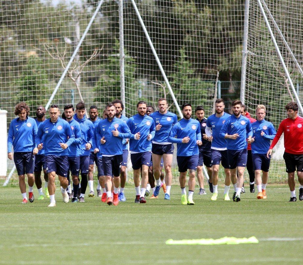 Antalyaspor'da Bb Erzurum Hazırlıkları Sürüyor