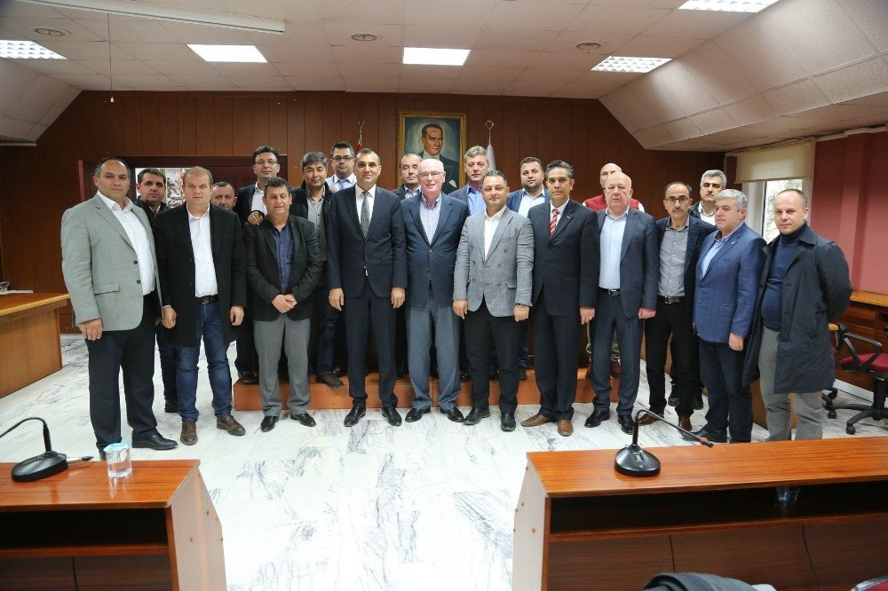 Başkan Kurt'a Türk-iş'ten Ziyaret