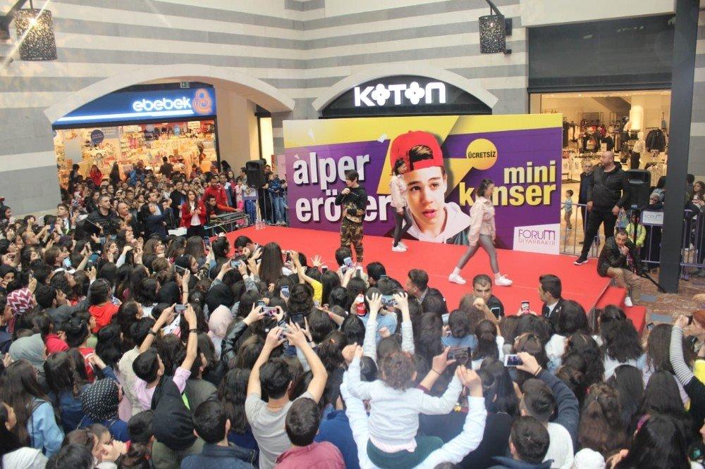 Forum Diyarbakır Avm'de Alper Erözer İzdihamı