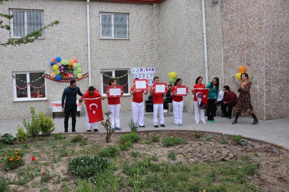 Özel Çocuklar 23 Nisan'ı Kutladı