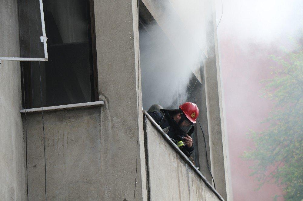 Zonguldak'ta İkamet Yangını Ev Kullanılmaz Hale Geldi