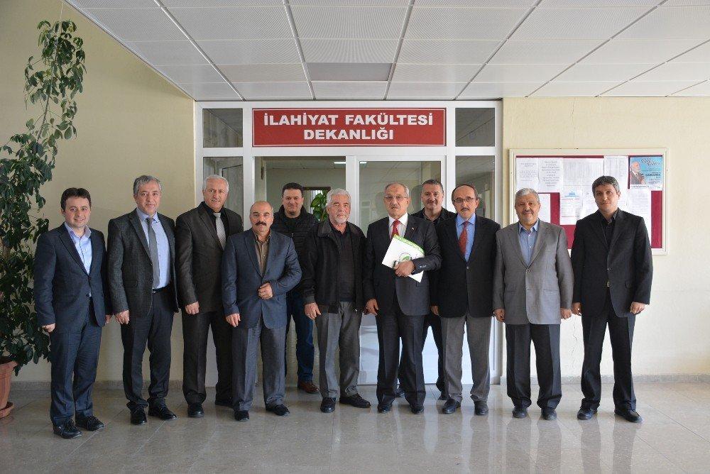 Prof. Dr. Erbay Üniversiteye 3 Bin Ciltlik Eser Bağışladı