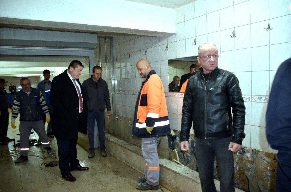 Merkez Camii Tuvaleti Ve Şadırvanı Yenilenecek