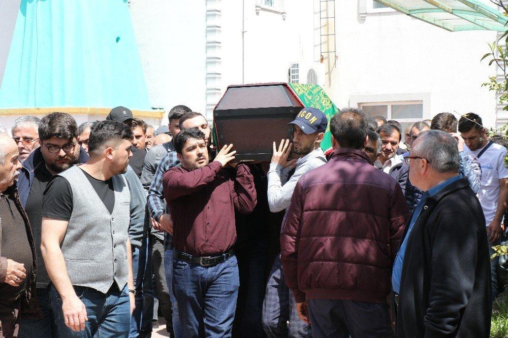 Kazada Ölen Zonguldaklı Genç Son Yolculuğuna Uğurlandı