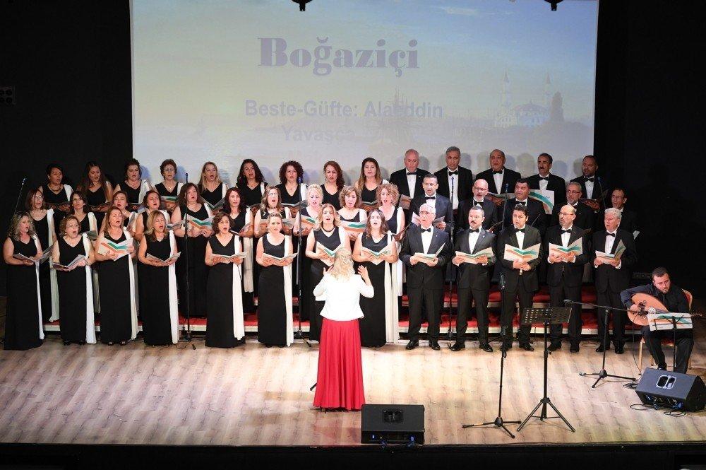 Konyaaltı Türk Sanat Müziği Korosundan Konser