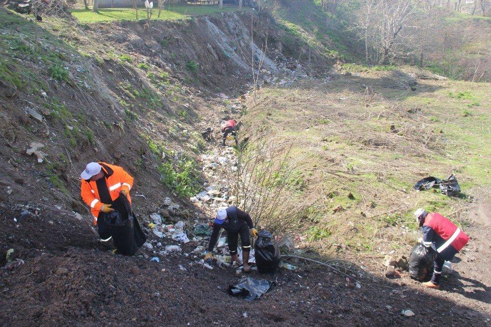 Bitlis Belediyesi'nin Temizlik Çalışmaları Devam Ediyor