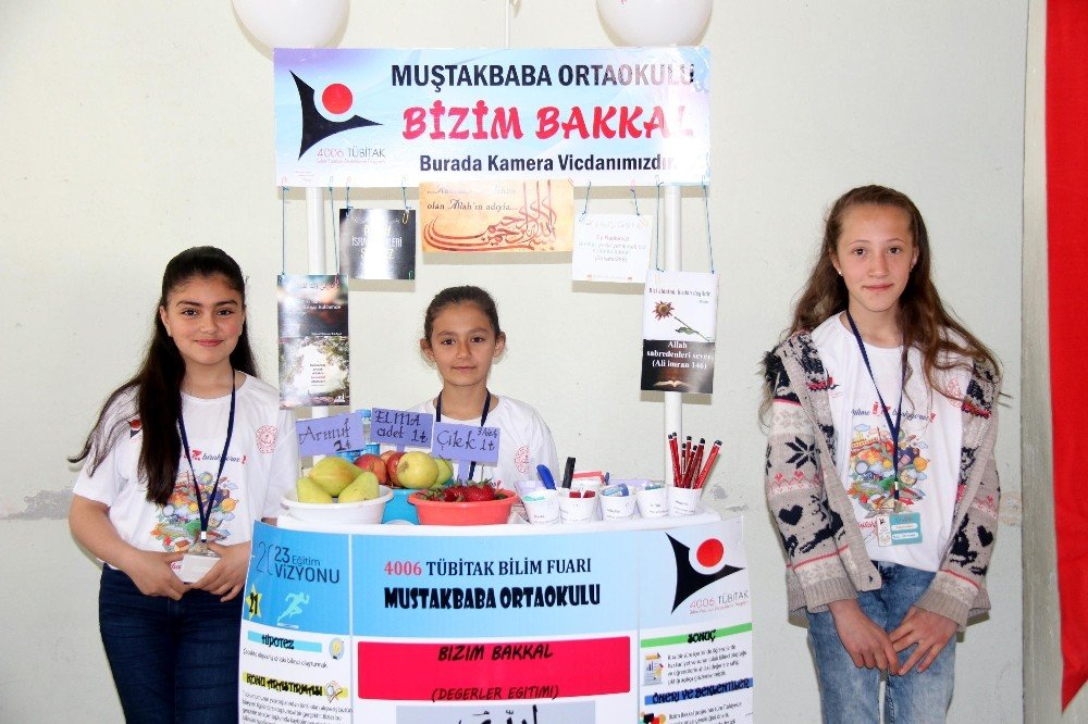 Muştakbaba Ortaokulu Öğrencilerinden Tübitak Fuarı