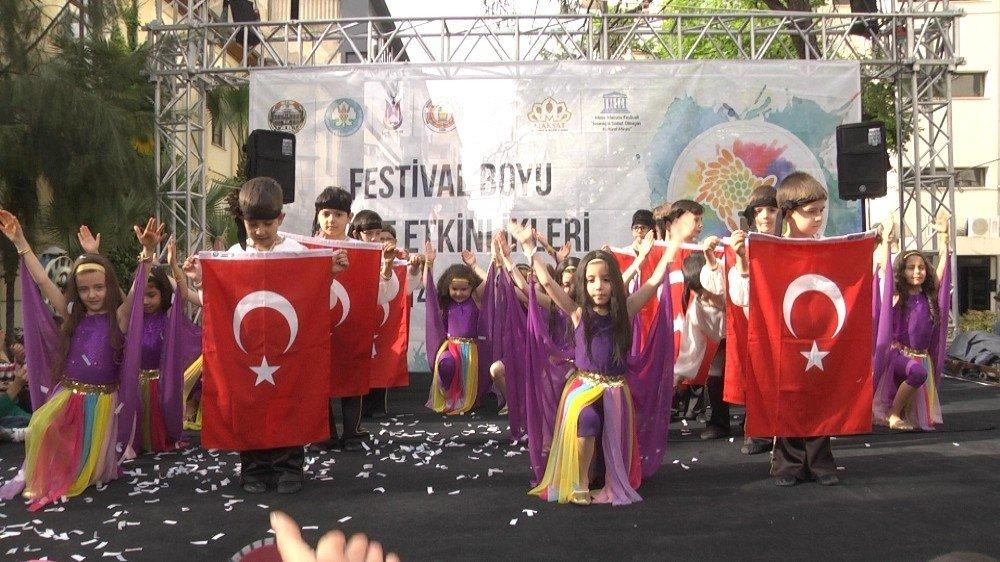 Mesir Festivali Sokak Gösterileriyle Renkleniyor