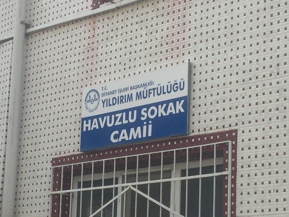 Bursa'da Şafak Vakti Cami Soygunu Kameralarda