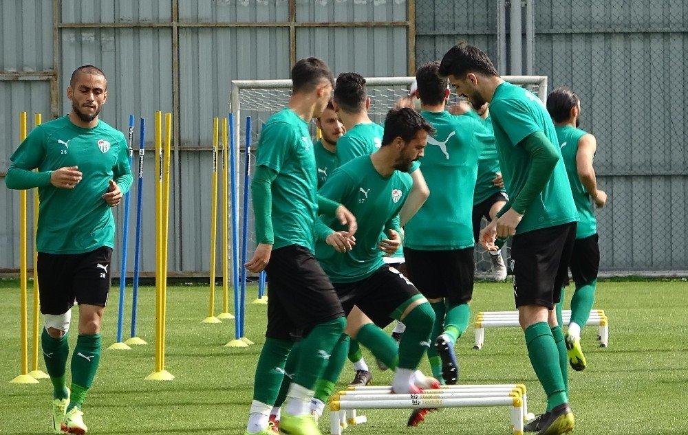 """Mesut Bakkal: """"5 Maçımız Kaldı, Tek Maçlık Bakmayalım"""""""