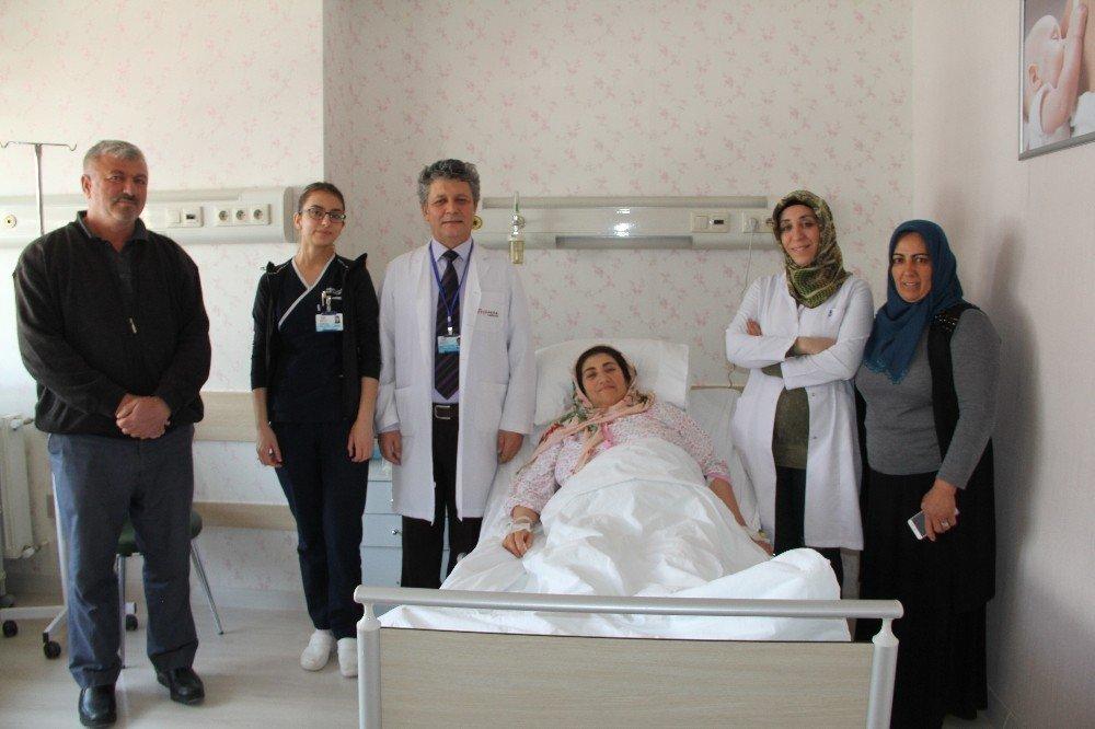 Ameliyat Olmaktan Korkan Kadının Kadının Karnından 13 Kiloluk Kitle Çıktı