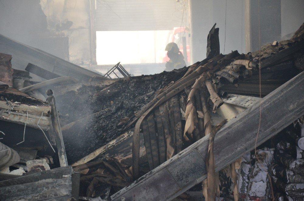 Yangın Çıkan Kumaş Fabrikasında 60 Kişi İşsiz Kaldı