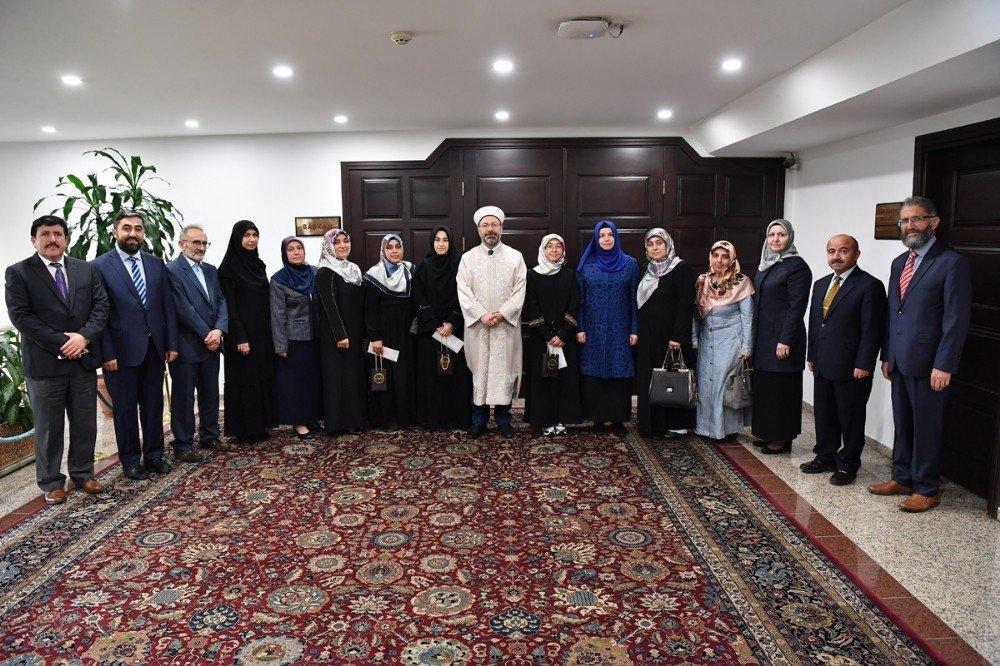 Yarışmalarda Derece Alan Öğrencilerden Diyanet İşleri Başkanı Erbaş'a Ziyaret
