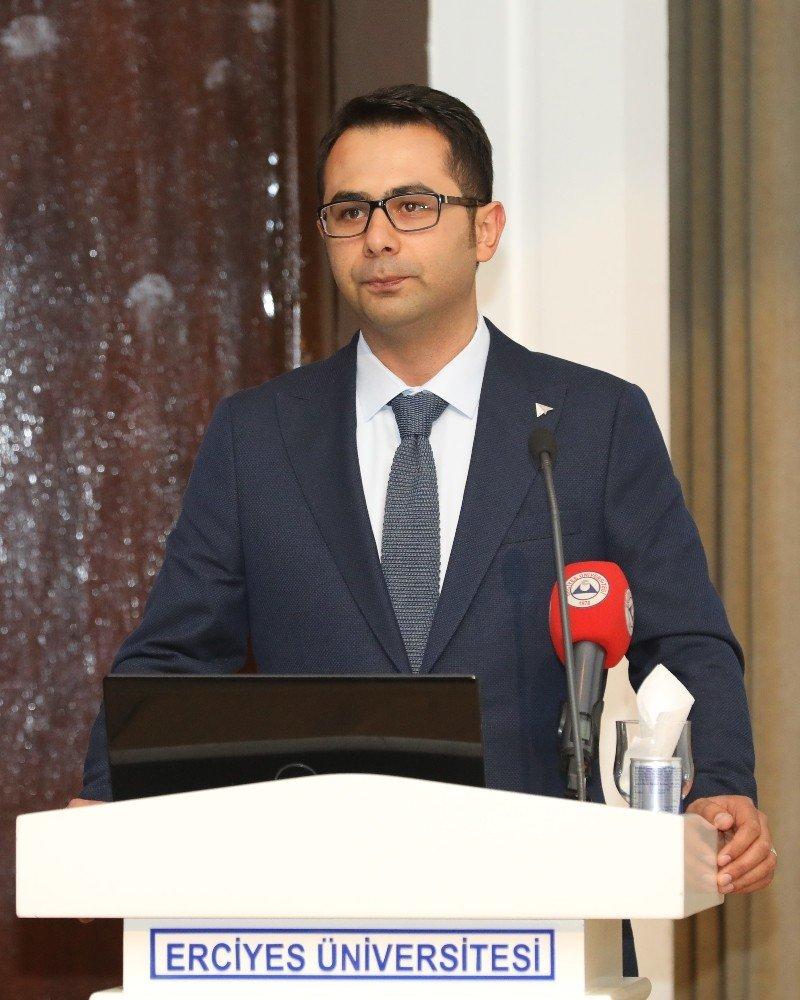 Erü'de Genç Girişim Gelişim Zirvesi Düzenlendi