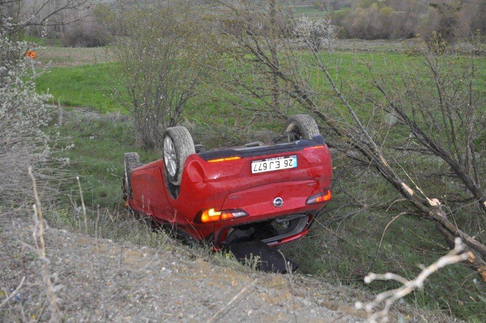 Konya'da İki Ayrı Kazada 4 Kişi Yaralandı