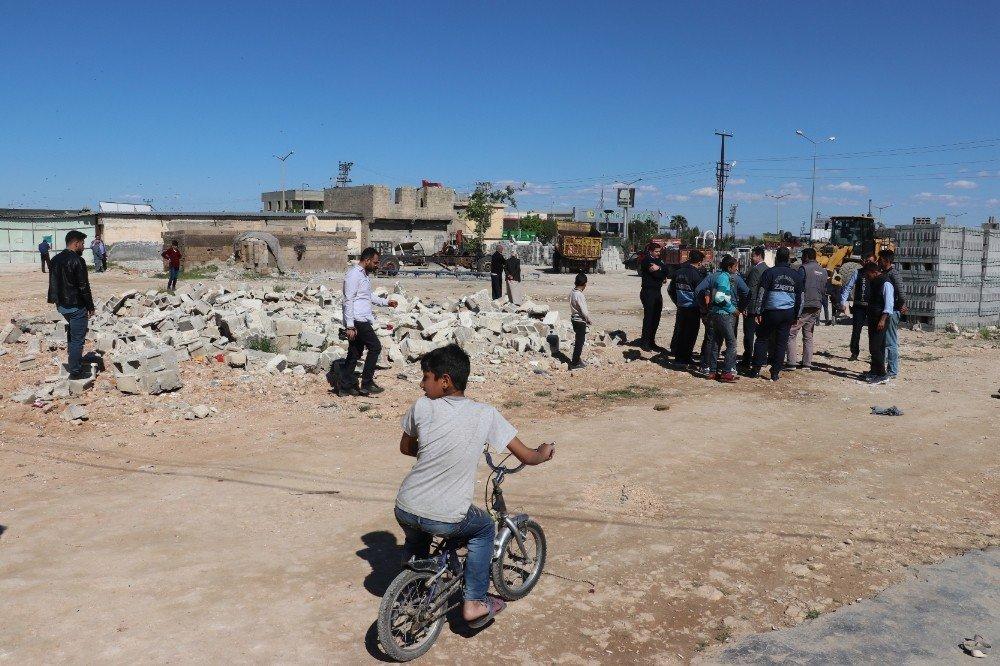 Eyyübiye'de Metruh Binalar Yıkıldı