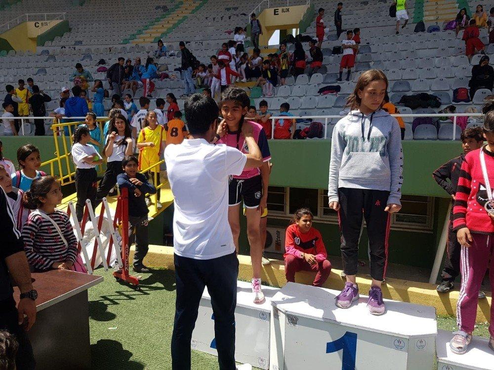Eyyübiye Belediyesi Gençleri Spora Yönlendiriyor