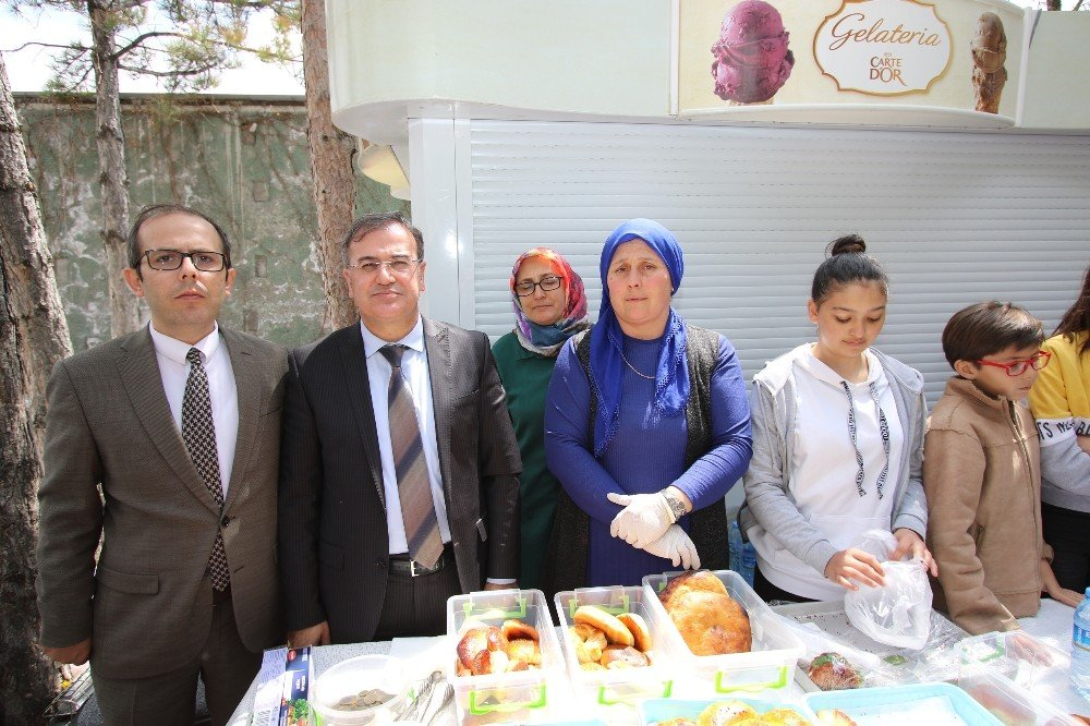 Hacılar'da Tskgv Yararına Yardım Kermesi Düzenlendi