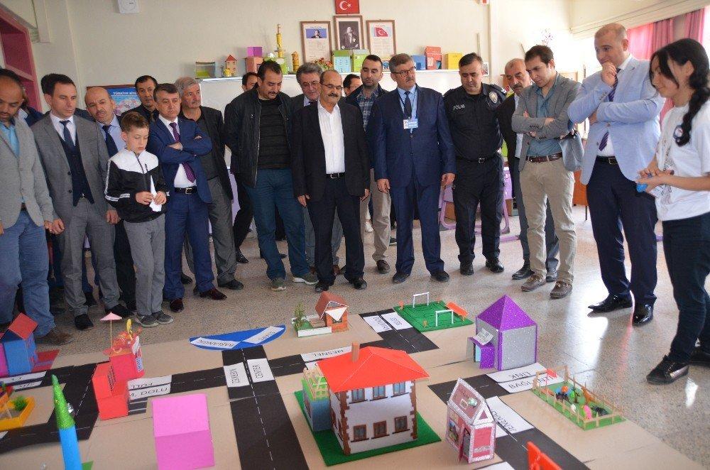 Kargı'da Bilim Fuarı Açıldı
