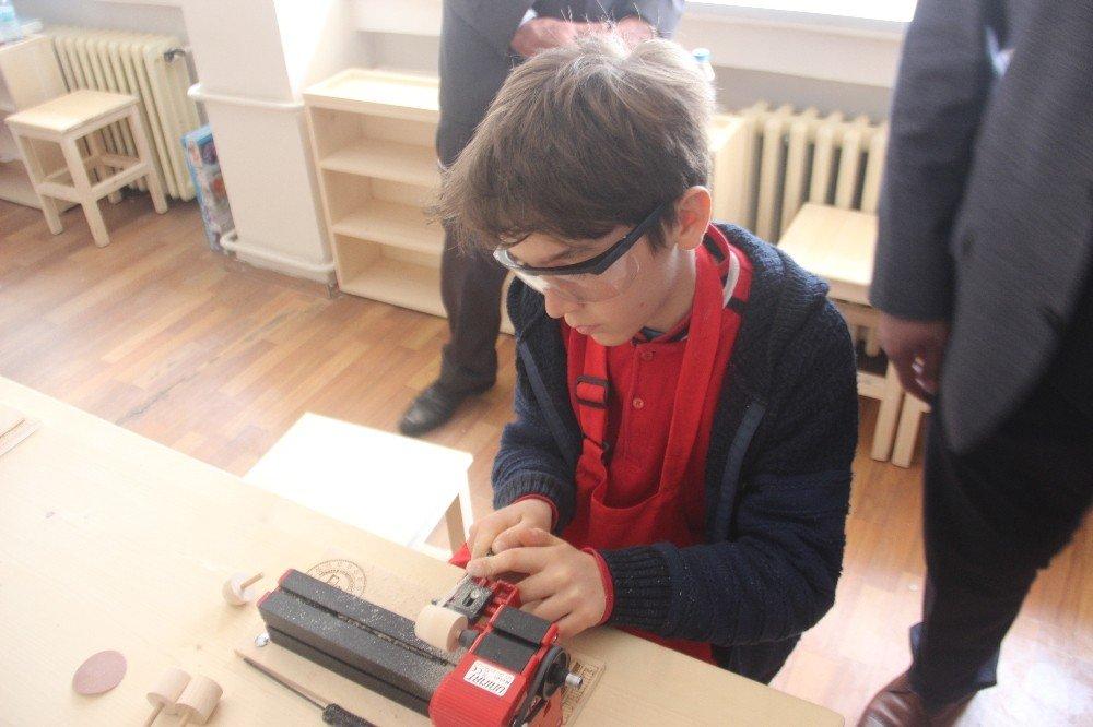 Gelecek İçin Eğitim: Steam Projesinde Steammaker Atölyesi Açıldı
