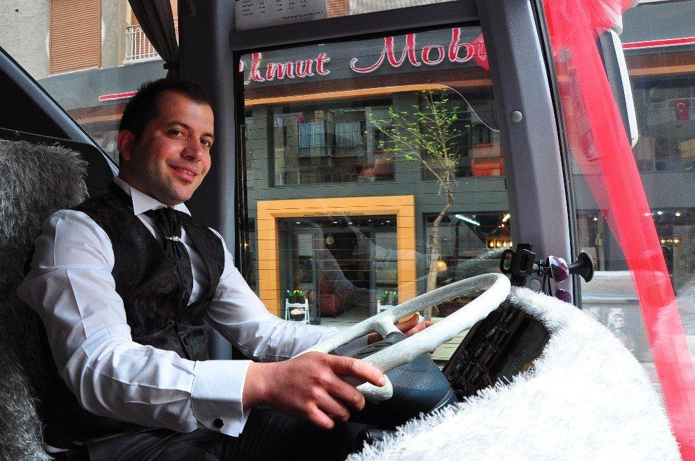 Servis Otobüsünü Gelin Arabası Yaptı