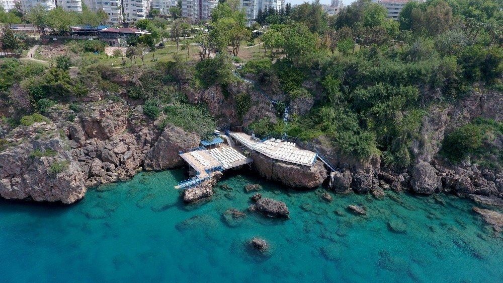 Muratpaşa'da Falez Plajlarına 5'te 5 Mavi Bayrak Hedefi