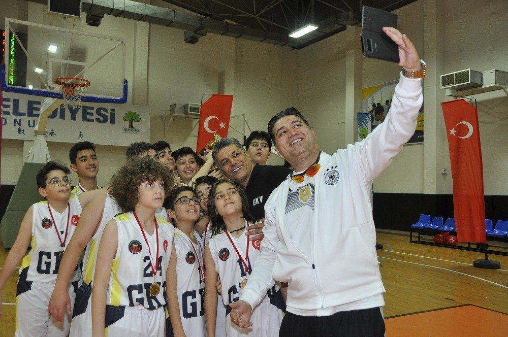 Potanın Namağlup Şampiyonu Gaziantep Kolej Vakfı