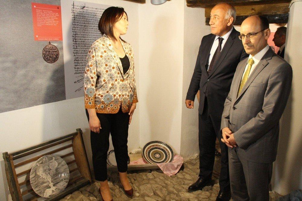 Söke'nin Tarihi Uzbek Konağı'nda Çini Sergisi
