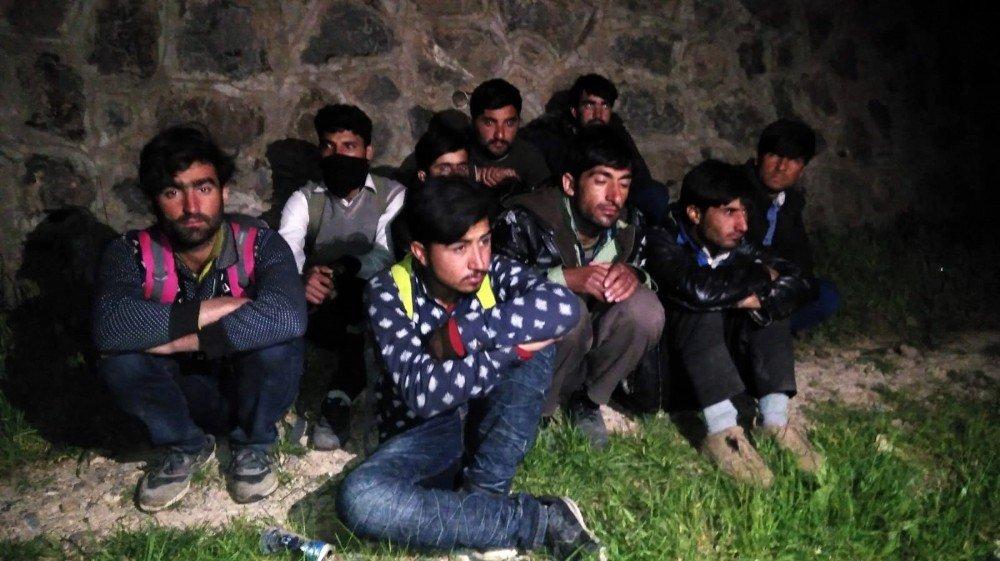 Siirt'te 22 Düzensiz Göçmen Yakalandı