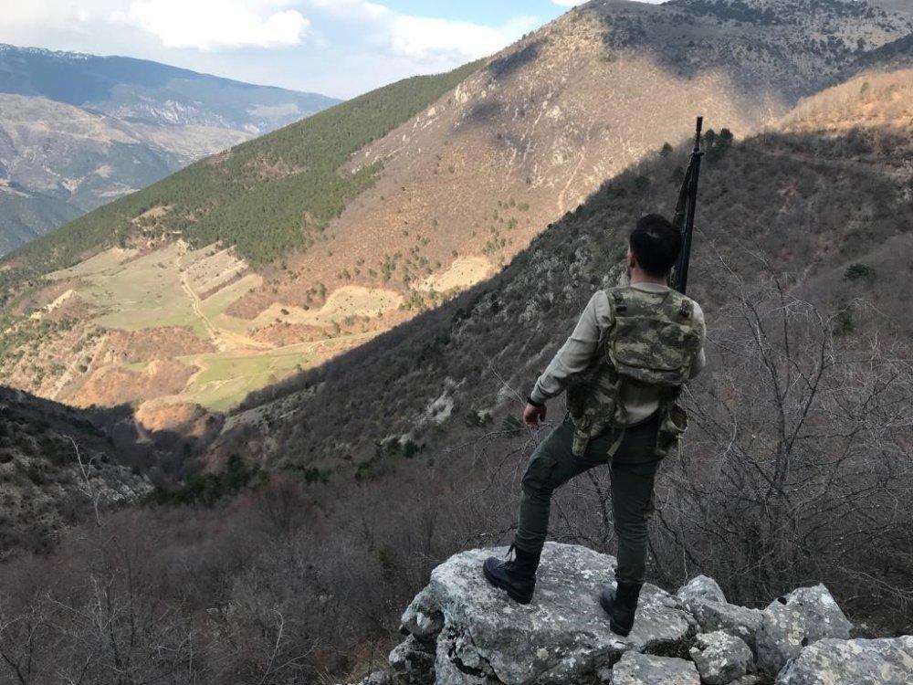 Jandarma Dağı, Taşı Arıyor