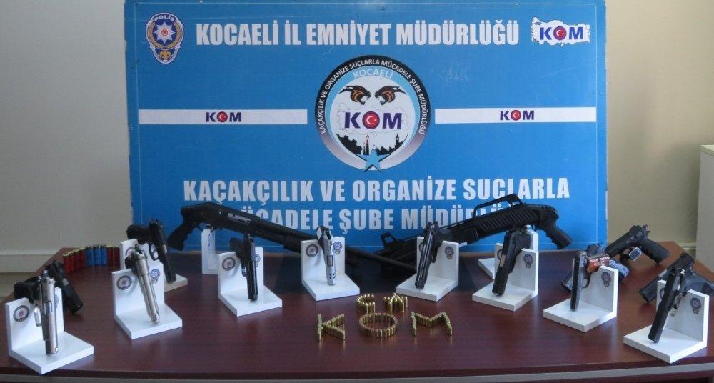 Kocaeli'de Silah Kaçakçılığı Operasyonu: 28 Gözaltı